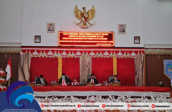Pimpinan OPD Pemda Bolsel yang mengikuti rapat paripurna mendengarkan Pidato Presiden.
