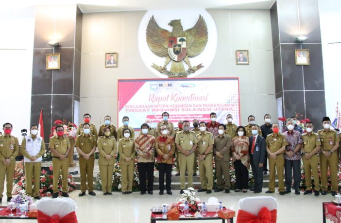 Bupati Bolsel Hi Iskandar Kamaru SPt menghadiri rapat koordinasi yang digelar Badan Pengawasan Keuangan dan Pembangunan RI di Kantor Gubernur Sulut, Manado, Selasa (30/3/2021).